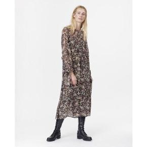Munthe Harries kjole, str. 36. Som ny!  Nypris - 3000 kr. Sælges for 1000 kr.    #30dayssellout