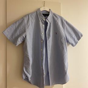 Helt ny skjorte, aldrig brugt ☺️