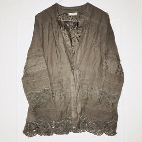Smuk by Malene Birger cardigan / blazer med brokade detaljer.    📬 Køber betaler for forsendelse 📬