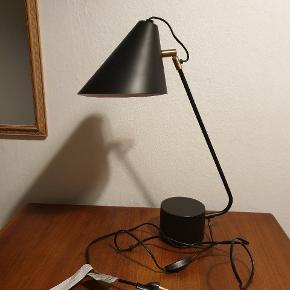 Flot og velholdt bordlampe fra House Doctor. Den kostede 915 kr fra ny. Kun til afhentning 😊
