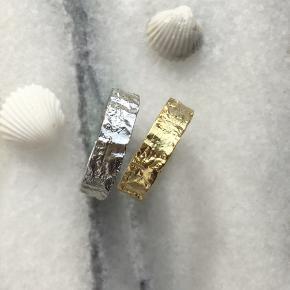 """Vores """"Esther"""" ring! Lavet af sterling sølv og er justerbar💓 199kr pr ring"""