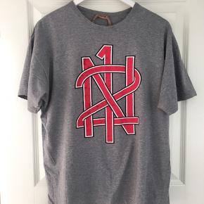 Super cool No 21 t-shirt str. 42 it (loose fit)