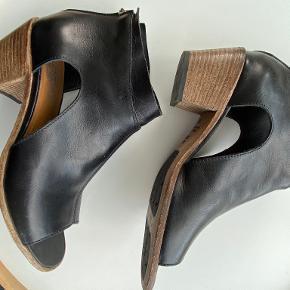 Moma sandaler