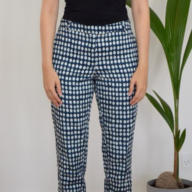 Bukser i prikket mønster