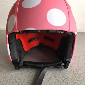 Helt ny cykelhjelm fra EGG. Er i str M (52-56cm) fejlkøb. Fejler intet.