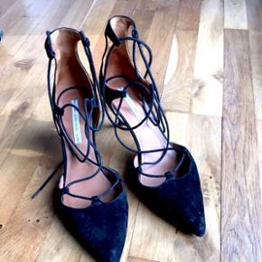 &other stories sko, sorte, ruskind, brugt en gang til galla  Np. 600 kr. 5 cm
