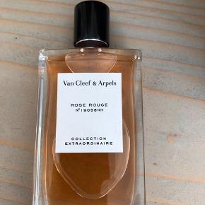Rose Rouge  75 ml helt ny  Koster 995,- i butik Sælges via mobilepay  Sender med DAO
