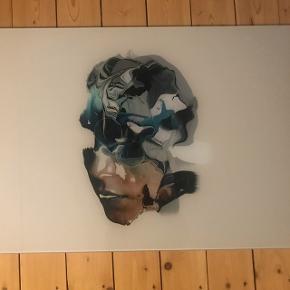 Glas-kunst..! Fra Bolia..! Aldrig været ophængt..! NP: 1299kr Mål: 40*70  Kan leveres for mindre beløb  BYD