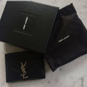 Næsten ubrugt YSL kortholder - np 1300 - æske + dustbag medfølger  Yves Saint Laurent