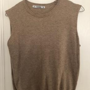 Pull And Bear vest