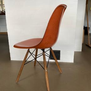 Eames skalstol i glasfiber Skal afhentes v Kolding