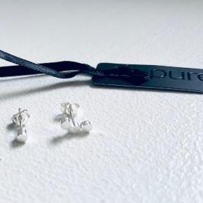 Splinterny sølv øreringe med mærke fra Pure Sterling sølv Købt for 300,-