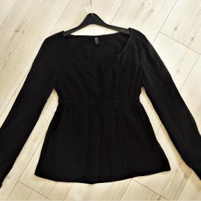 Tunika, Only, str. 36, Sort, God men brugt  En smart sort tunika/bluse fra Only  Sender gerne hvis køber betaler fragt 37 kr
