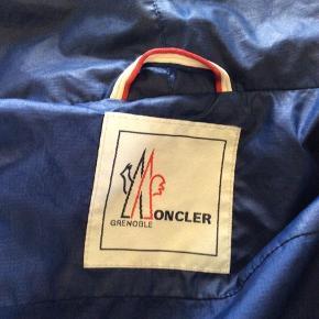 Rigtig flot moncler sommer jakke i str L pris 1300 kr