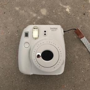 sælger mit Instax mini kamera da jeg ikke får det brugt nok, der er få brugstegn