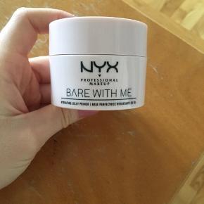 NYX MAKEUP  primer, highlighter, lipgloss fra nyx.  Sælges samlet