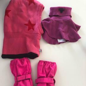 Fin varm elefanthue, handsker fra molo samt halsedisse fra Hummel.  I str 3-5 år.
