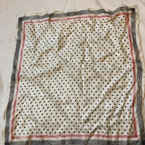 Uniqlo tørklæde