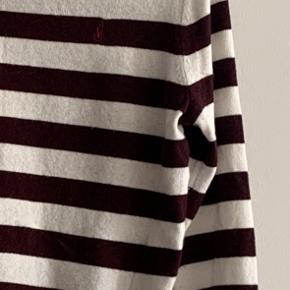 Really soft sweater from the JW Andersen collection from Topshop. A little bit bally in places.