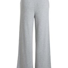 Sælger 2 par Molly bukser, har også et par i sort