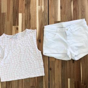 Super udsalg.... Jeg har ryddet ud i klædeskabet og fundet en masse flotte ting som sælges billigt, finder du flere ting, giver jeg gerne et godt tilbud.. 🌟🌟🌟🌟🌟🌟🌟🌟🌟🌟🌟🌟🌟  Flot shortssæt str XS * Hvide H&M shorts str XS - brugt 3 gange * Monki bluse - ny aldrig brugt