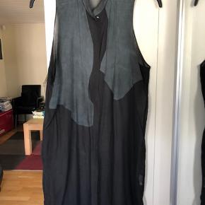 Super cool kjole/ vest  med trykknapper 😍😎