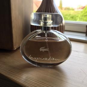 Inspiration by Lacoste. Eau de parfume 50 ml. Brugt få gange. Ny pris kr 549,-.