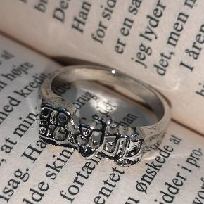 Bershka Ring