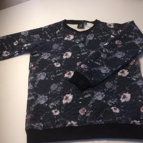 841580bf9691 Blomstrer petit sofie schnoor bluse i blå nuancer. Str 140 (9 år lille 10