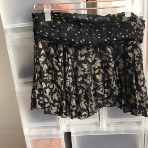 Fin nederdel brugt nogle gange.