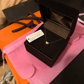 japan 18k gold .15 carat diamond  40cm