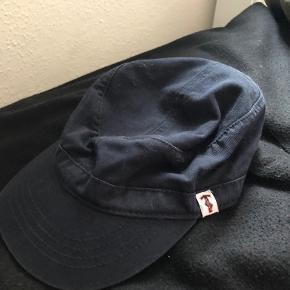 Le Fix hue & hat