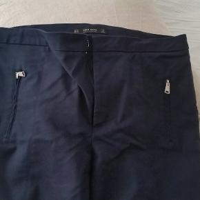 Flotte bukser fra Zara med masser af stræk Str. XL