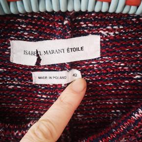 Bluse/let jakke  Str. 42, fransk str. Passer en S - og en M, hvis man ønsker et mere tight fit.  Har haft skulderpuder. Dem har jeg dog klippet ud...   Sælges kun til rette bud