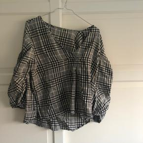 ZARA skjorte / top Ternet  Str. M Brugt 2 gange