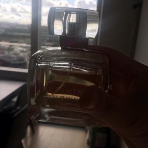 Dreaming af Tommy Hilfiger, Eu de Parfum. 100 ml. Der er brugt noget af den.