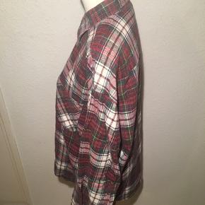 Rød skovmandsskjorte - ternet i størrelse xl.