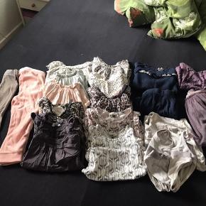 Lækker pompdelux pakke 92/98   1 par leggings  1 par jogging velour buks  2 sæt, bestående af overdel og nederdel  10 tunika Og 2 sæt undertøj   20 dele for   500,- (25,- pr del) sælges samlet og sendes på købers regning