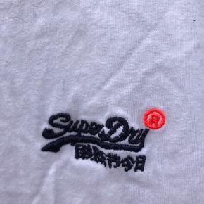 Næsten ny tshirt fitter s/m eller medium