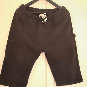 Carhartt shorts med håndværkerrem.