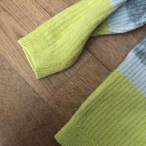 Dejlig sweater fra envii i str. M, brugt (ses på billeder) men er stadigvæk i god stand.