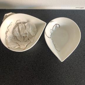 Jeg sælger disse flotte skåle fra Mette Blomsterberg. De er blevet brugt få gange.