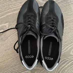 Ecco Balance (lidt a la MBT sko) med let buet sål str.37. Jeg har købt her  i sidste måneder  men jeg aldrig brug..