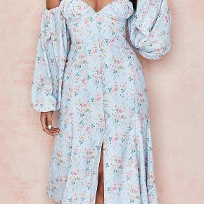 Completely brand new House of CB Hope dress. New season, currently sold out on their site and won't be restocking for some time. Size Small. Selling as I want a new style and missed return period. Original price 170 euro