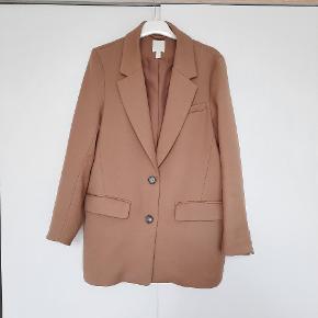 Smuk oversize blazer/jakke passer str. 36