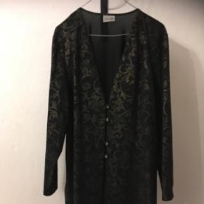 Vintage skjortebluse i skøn str. M (38/40).  Mærket Finn Karelia. 50kreller byd!  Aarhus