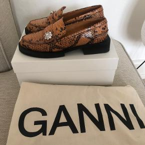 Ganni flats