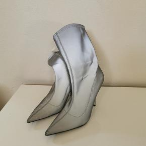 Brugt 1 gang i byen! Refleks støvler! Sælges, da jeg ikke får dem brugt.