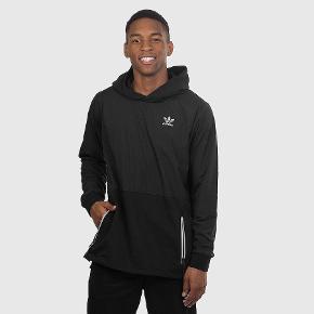 Adidas sæt købt i New York. 570 kr inkl fragt for hele sættet samlet, både hoodie og bukser.