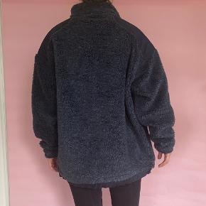 Really warm Mascot pull over in size XL